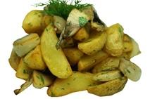 Картофель жареный дольками с грибами и чесноком