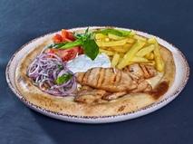 Открытый Гирос с Дзазики и картофелем фри
