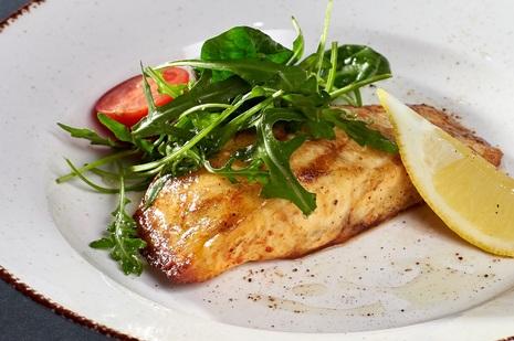 Стейк из филе лосося в сладком соусе унаги